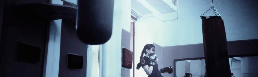 kickboxer-girl-kickboxing-athletic-girl-160920-e1522175146110.jpeg